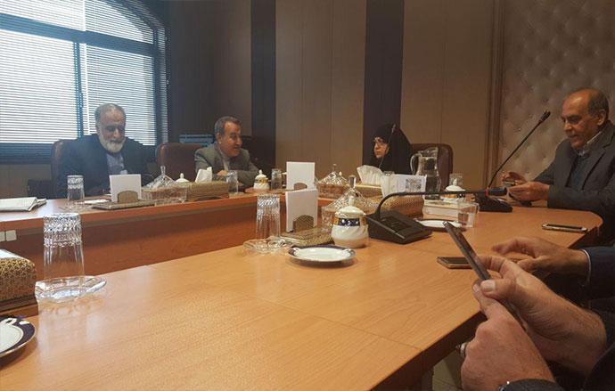 جلسه مشترک اعضای شورای سیاستگذاری جشنواره فیلم مهر سلامت با رییس دانشگاه علوم پزشکی اصفهان